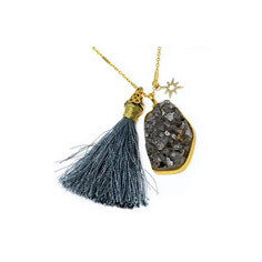 "Gift catalog ""Unity"" tassel necklace"